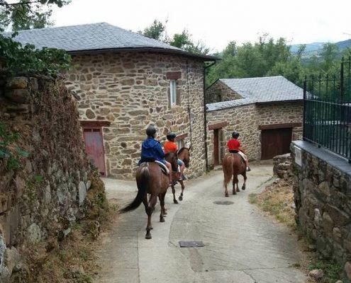 rutas a caballo con niños