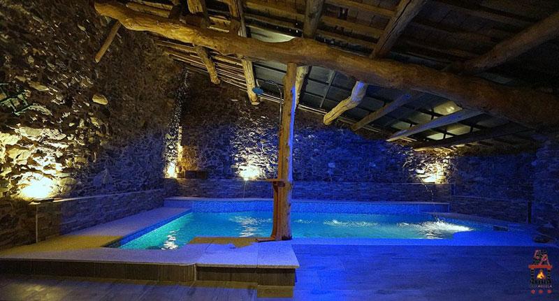 Casa abuela grisuela for Casa rural piscina climatizada interior