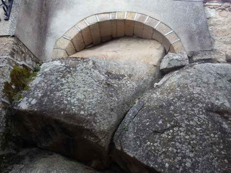 construcción sobre roca fermoselle