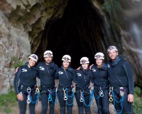 cuevas en leon barranquismo