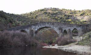 puente izeda rio sabor portugal