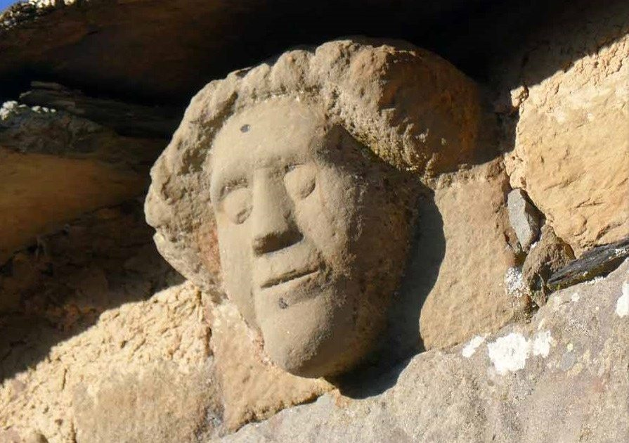 rostro humano arquitectura popular figueruela